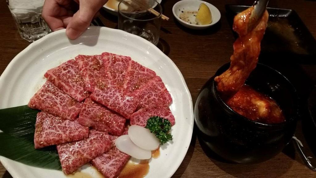 焼肉(ザブトンと壺付けホルモン)