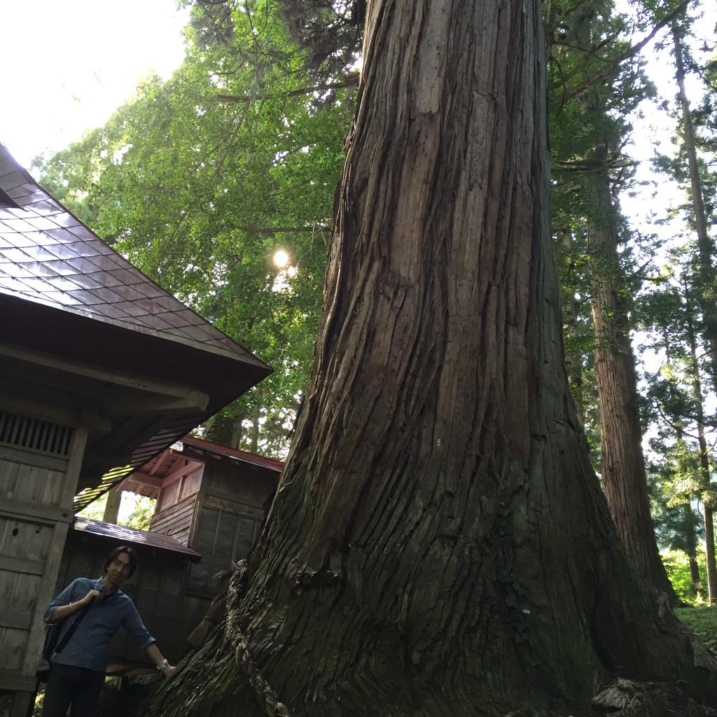 """長野県小谷村にある""""とある神社""""での1枚"""