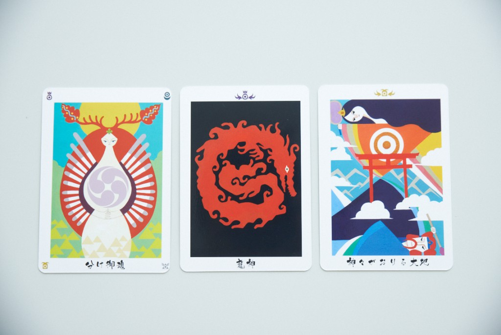 日本の神託カード(オラクルカード)